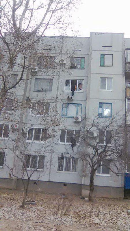 На юге Волгограда спасатели предотвратили попытку суицида