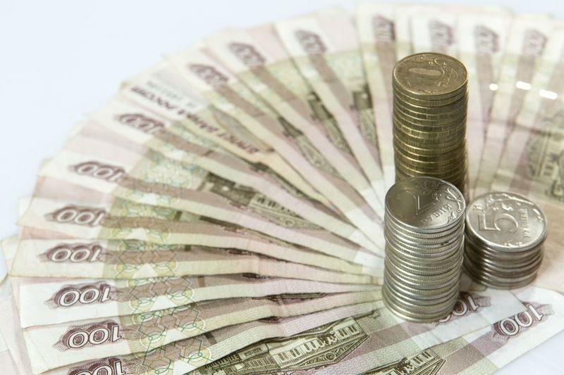 Директора предприятия оштрафовали за низкие зарплаты