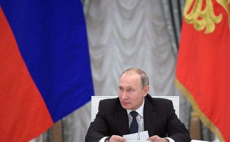 Президент освободил от должности чиновников, которые вошли в РАН