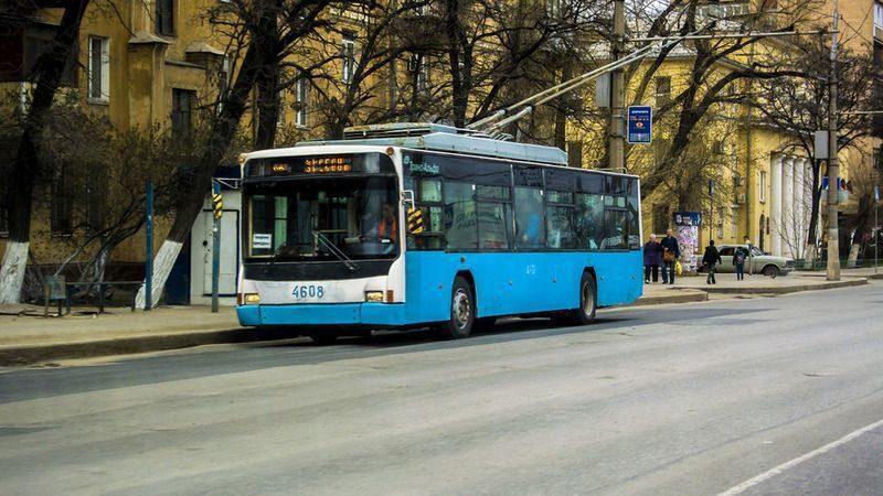 В волгоградском троллейбусе оставили подозрительный мешок