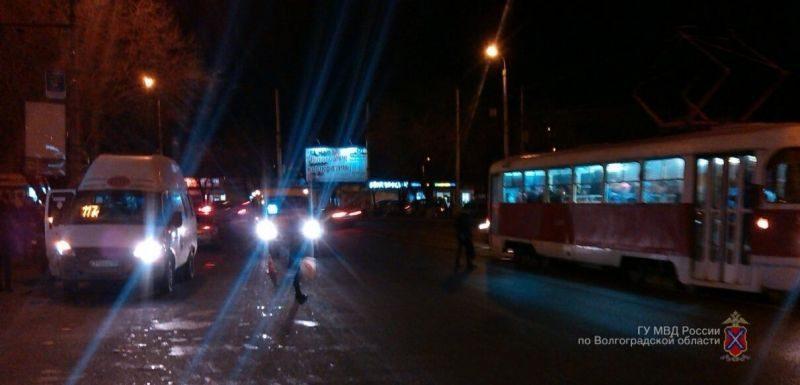 На юге Волгограда водитель маршрутки сбил пенсионерку