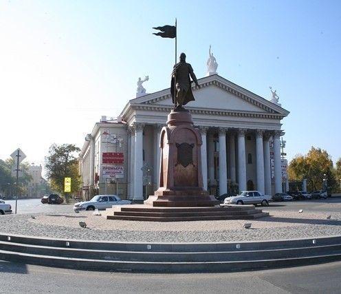 В центре Волгограда временно ограничат движение