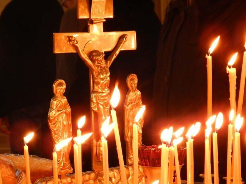 В храмах Волгограда проходят панихиды по погибшим в авиакатастрофе Ту-154