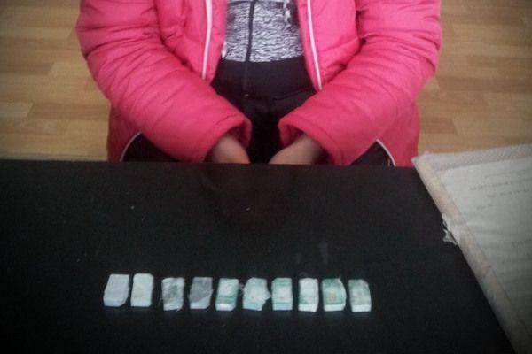 Жена привезла супругу в колонию Суровикино пирожки с начинкой из симкарт
