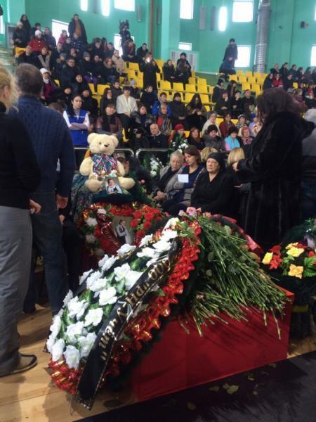 В ХМАО состоялось прощание с погибшими в ДТП детьми
