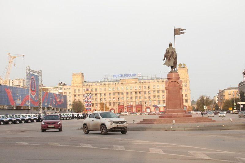 В центре Волгограда перекрыли площадь Павших Борцов