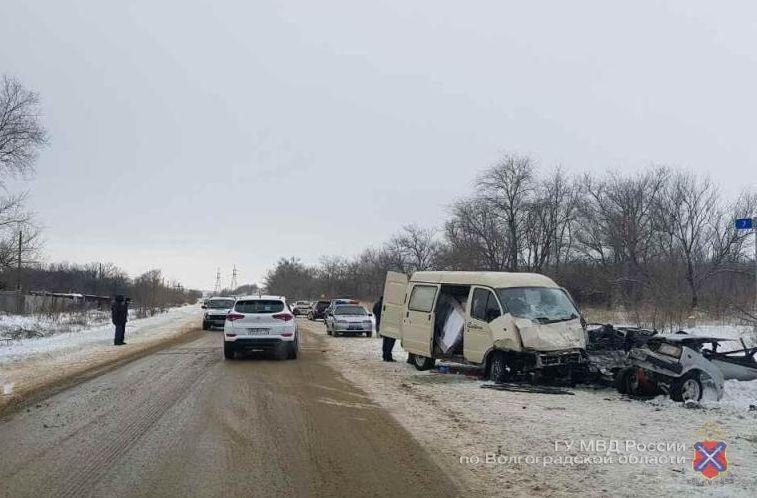 Из-за дорожного лихачества трое людей попали на больничные койки