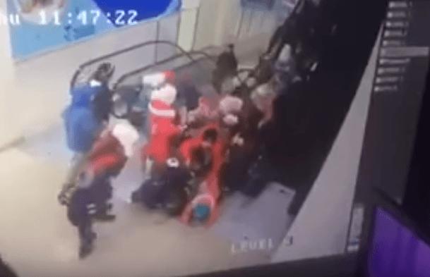 В Ставрополе детей затянуло в эскалатор. ВИДЕО