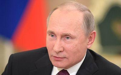 Президент России поручил кабмину сосредоточиться на повышении зарплат бюджетников