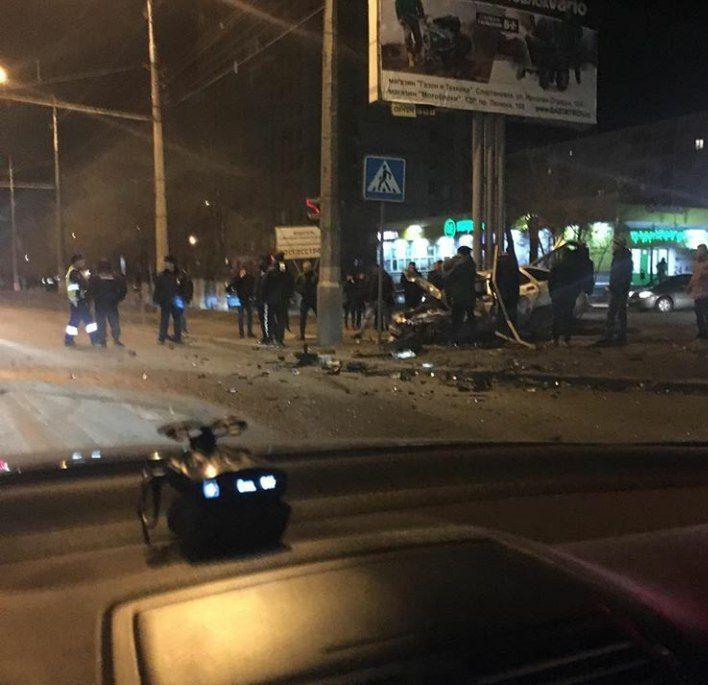 На Спартановке произошло серьезное ДТП с участием трех автомобилей. ФОТО