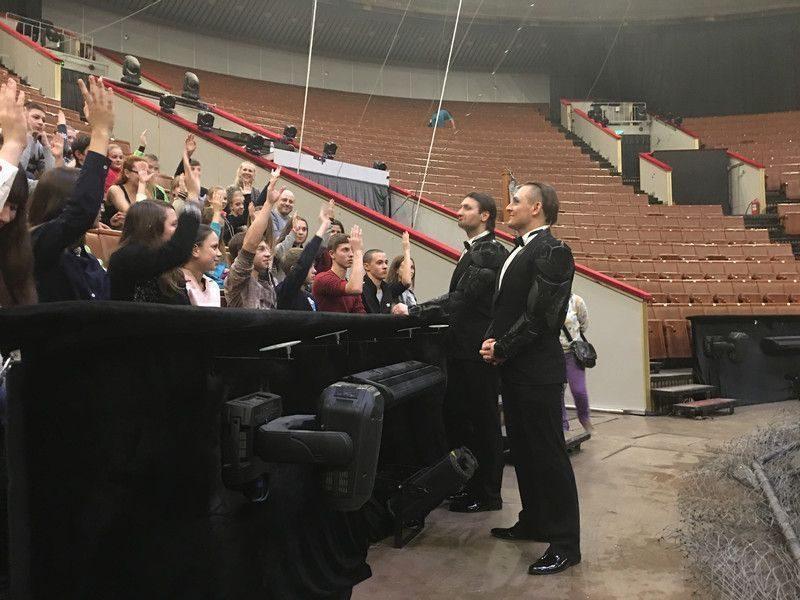 Запашные показали юным артистам из ДНР Московский цирк