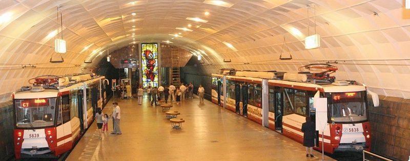 В Волгограде три станции скоростного трамвая лишились эскалаторов