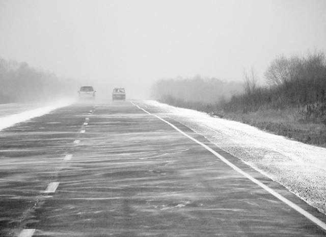 В Суровикинском районе при столкновении с грузовиком погибли водитель и пассажир внедорожника