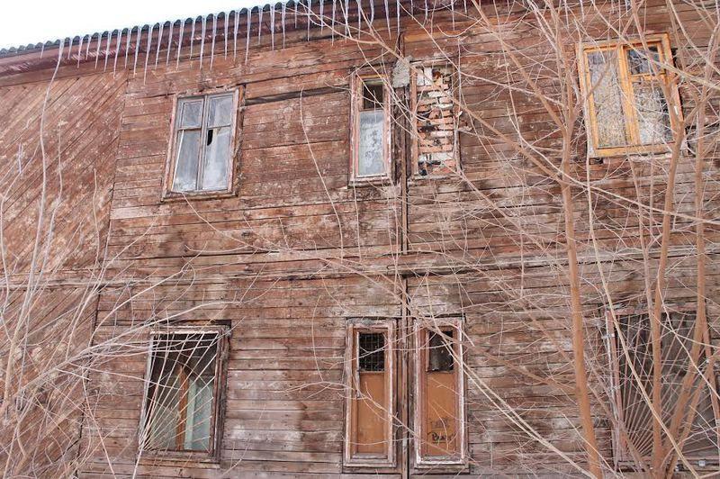 Взята на контроль проблема расселения аварийного дома в Красноармейском районе Волгограда
