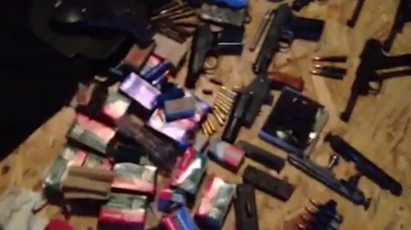 Четверо жителей Подмосковья через интернет сбывали боевое оружие