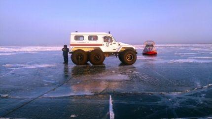 На Байкале УАЗик провалился под лёд: трое утонули