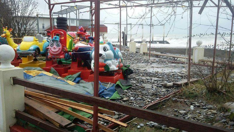 В Сочи ликвидируют последствия субботнего урагана