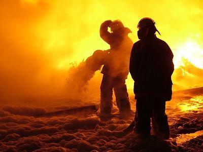 Волгоградец пострадал от пожара в подвале пятиэтажки