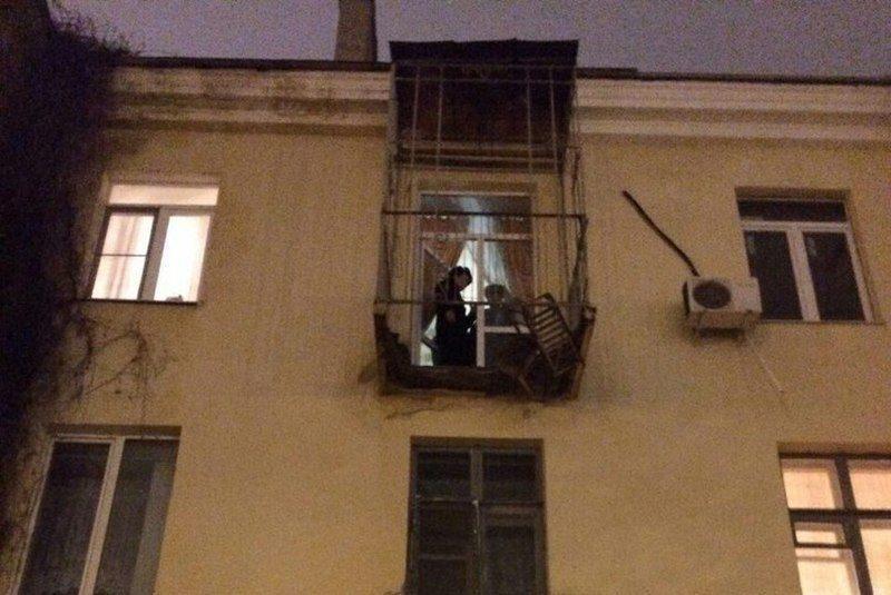 Жилищная инспекция проверит волгоградский дом с обвалившимся балконом