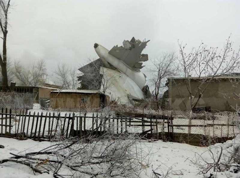 При крушении самолета под Бишкеком погибли 37 человек