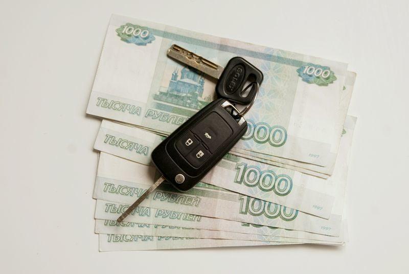 Три волжанина инсценировали ДТП с Porsche Cayenne ради страховых выплат