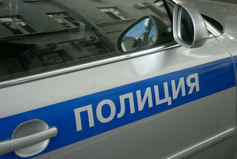 Московский таксист вытолкал из авто двух женщин с ребёнком