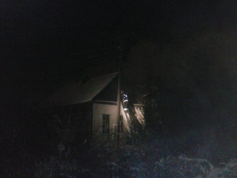 Волгоградец спас старушку из горящего дома