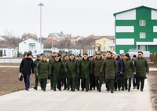 «Нужно избегать казенщины»: Сергей Шойгу побывал в ЮВО
