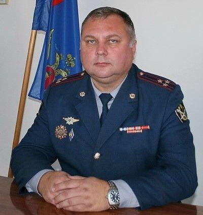 Замначальника ФСИН по Волгоградской области на внедорожнике врезался в столб