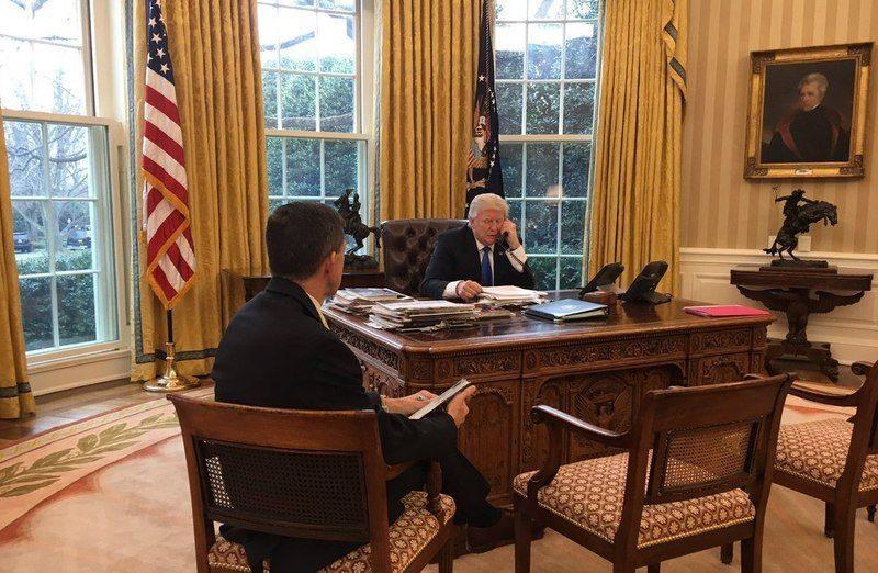 Трамп провел телефонный разговор с Владимиром Путиным