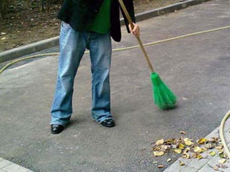 Неплательщик алиментов встал на путь исправления после обязательных работ