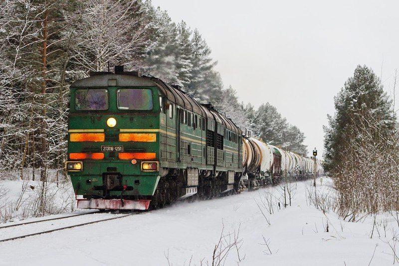 Под Волгоградом поезд сошел с рельсов