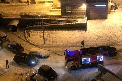 Женщина на Lexus заблокировала проезд петербургским пожарным