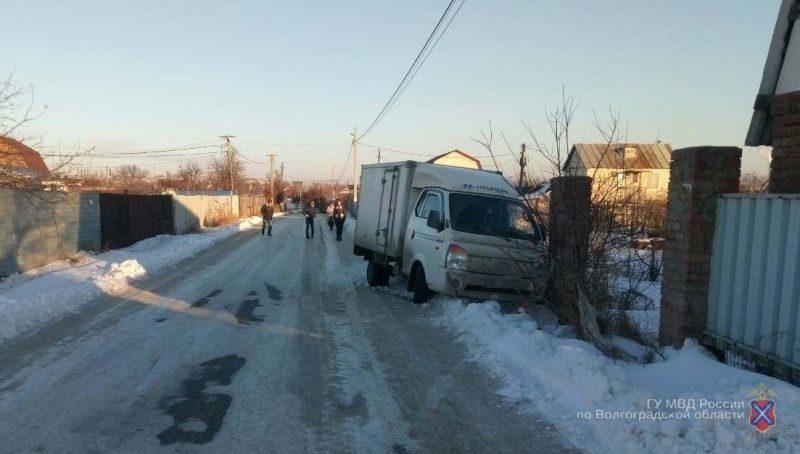 В Краснооктябрьском районе иномарка сбила 19-летнюю девушку