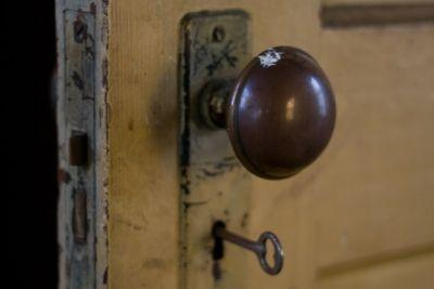 Волгоградец запер грабителей в доме