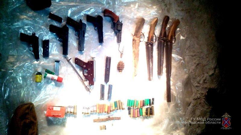 Бывший уголовник хранил в гараже арсенал оружия