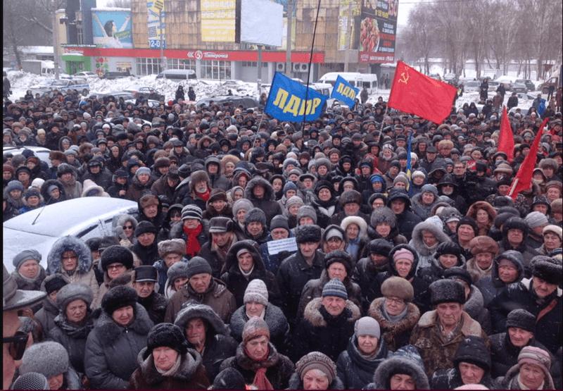 Около тысячи самарцев вышли на митинг против местных властей