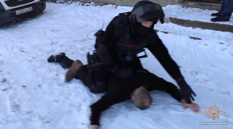 Под Волгоградом задержали банду вымогателей