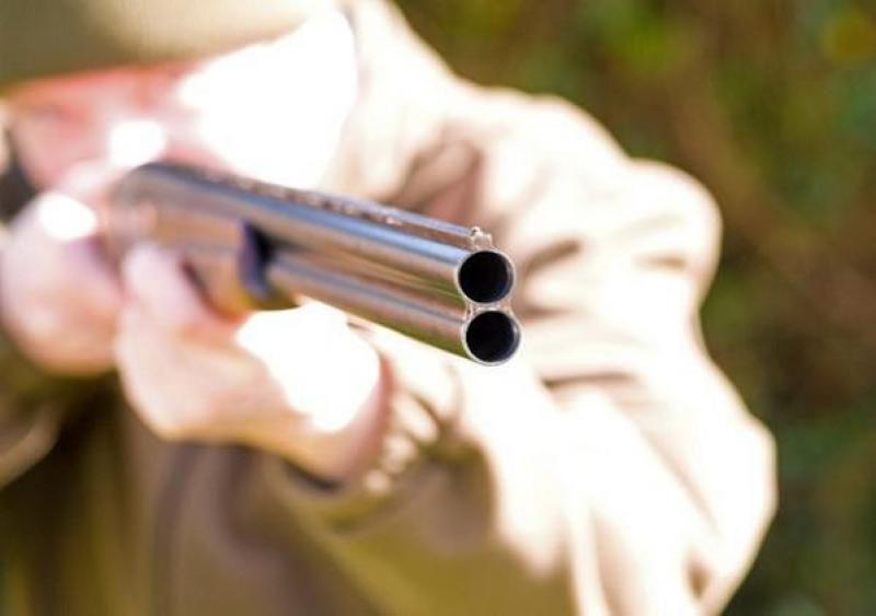 Неизвестный стрелок тяжело ранил водителя