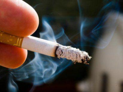 Курящие отцы могут приносить своим детям пользу