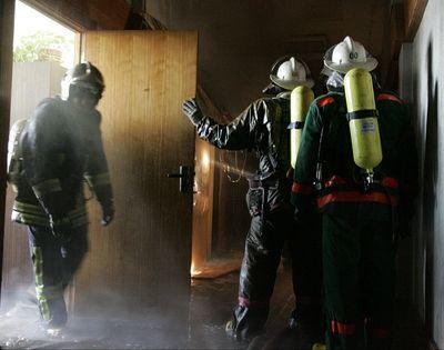 Под Волгоградом при пожаре в квартире погибла женщина