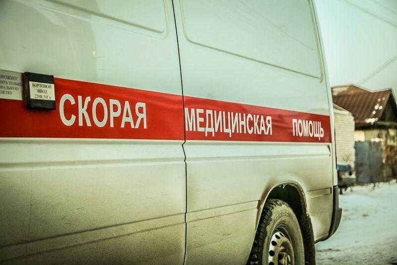 В Волжском иномарка столкнулась с маршруткой: пострадали два человека