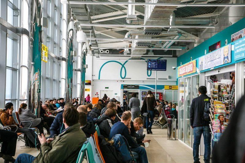 В Волгограде экстренно сел самолет Махачкала-Москва с больным ребенком на борту