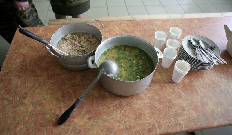 Волгоградских детей-инвалидов лишали бесплатного питания