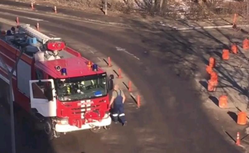 Пожарная машина сбила девять человек в Домодедово. ВИДЕО