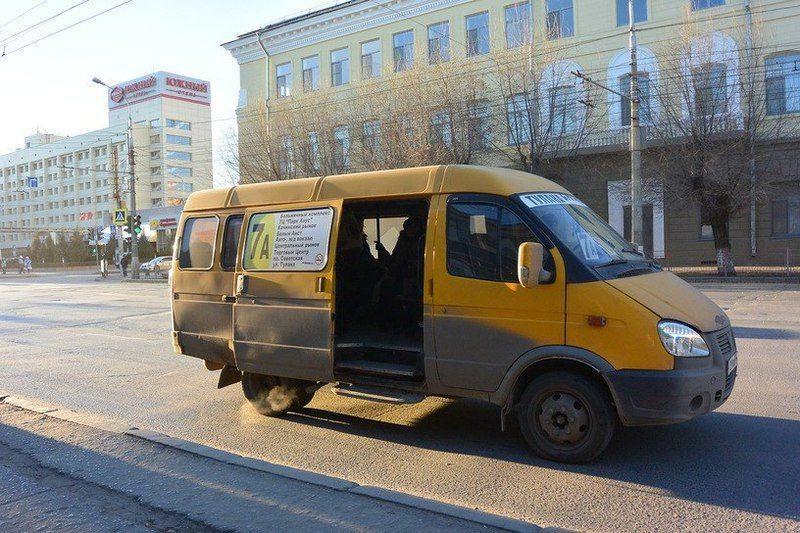 Волгоградский правозащитник доставит президенту более 7 тысяч заявлений с жалобами горожан