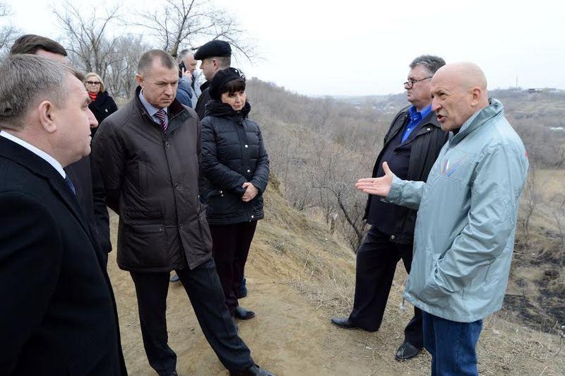 В Волгограде власти обещают устранить аварийную ситуацию в Комсомольском парке