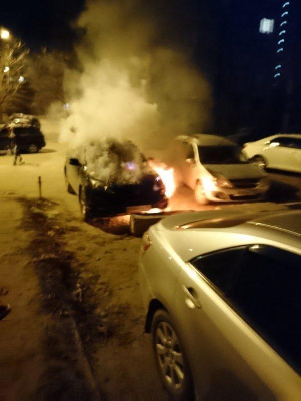 В Краснооктябрьском районе пироманы подожгли иномарку