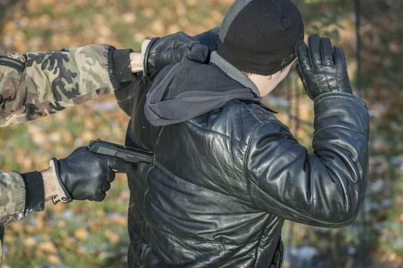 Уроженец Узбекистана изнасиловал продавщицу