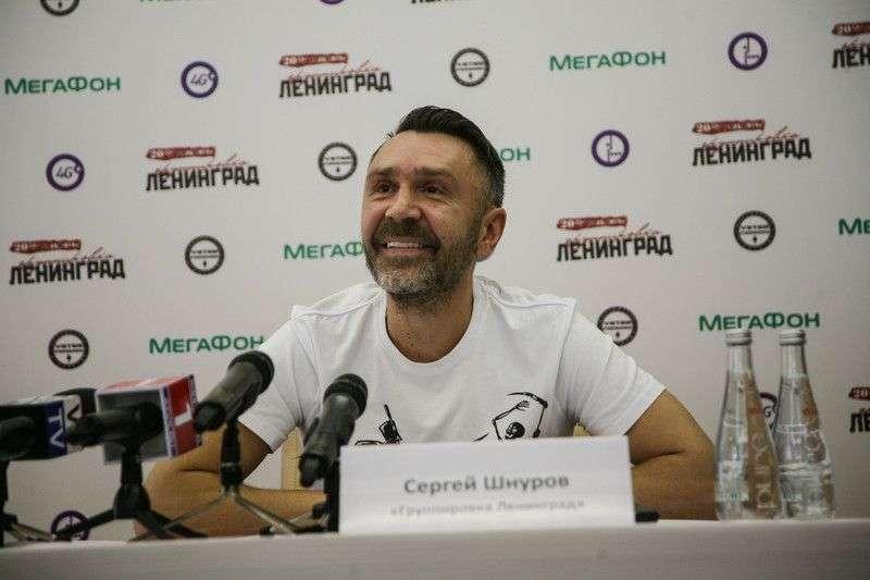 9 апреля волгоградцы смогли оказаться на одной сцене с Сергеем Шнуровым